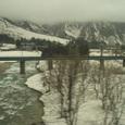 06 雪解けの川